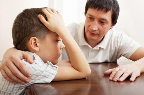 Cha mẹ đã chấp nhận con bị mắc bệnh tự kỷ rồi!