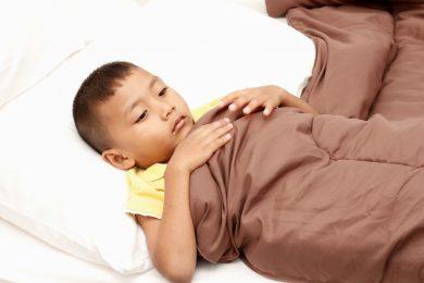 Bố mẹ cần chăm sóc con bị viêm ruột thừa như thế nào cho đúng?