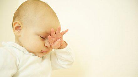Bệnh nhẹ hóa không khi mắt trẻ sơ sinh bị ghèn vàng
