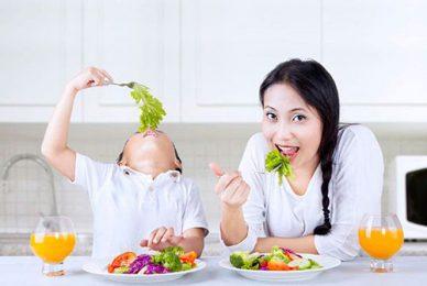 Hé lộ nguyên nhân khiến trẻ ăn nhiều rau nhưng vẫn bị táo bón