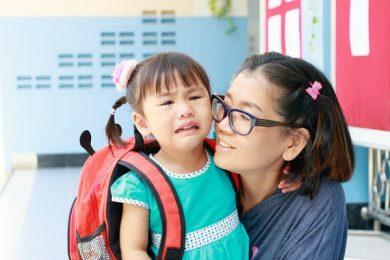 Những điều cha mẹ cần làm để giúp con tự tin hơn