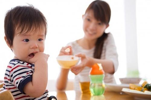 Hướng dẫn mẹ nhận biết và phòng ngừa nguy cơ suy dinh dưỡng ở trẻ em