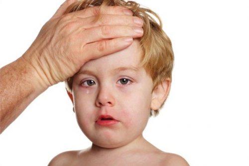 Trẻ mắc bệnh quai bị có được tắm như bình thường hay không?