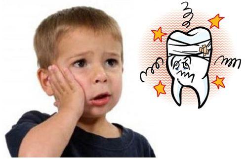 Đặc điểm lâm sàng của sâu răng trẻ em