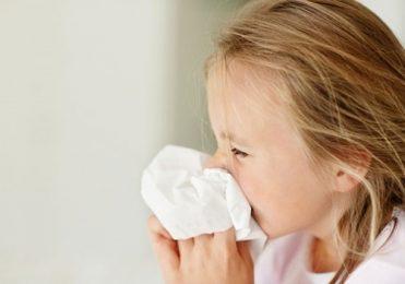 Cách phòng bệnh nhiễm khuẩn đường hô hấp trên cho trẻ