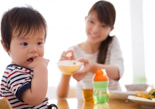 Suy dinh dưỡng ở trẻ em là gì và nguyên nhân do đâu?