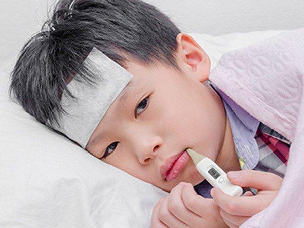 Trẻ sốt cao do bệnh cúm