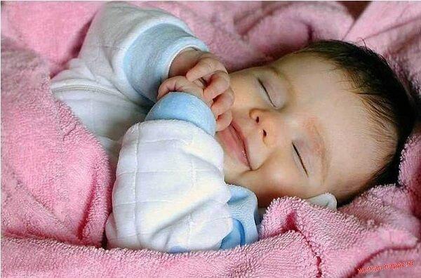 Giữ ấm cho trẻ, tránh gió lùa (khi tắm gội, vào mùa đông,...)