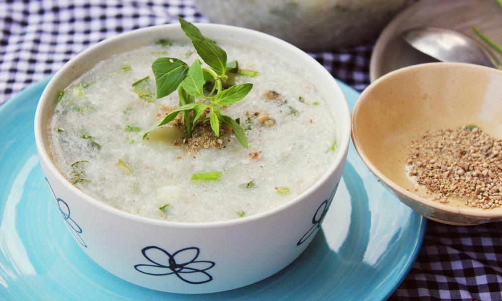 Chế biến thức ăn ở dạng mềm, dễ tiêu hóa nhằm tránh rối loạn tiêu hóa ở trẻ